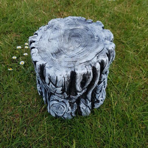 Concrete Tree Trunk Plinth Black and White
